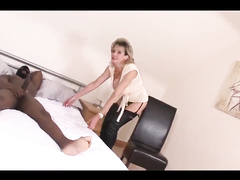 British Mom Lady Sonia is a BBC creampie whore