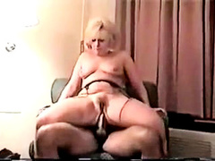 Amateur mature blonde wife gets anal riding
